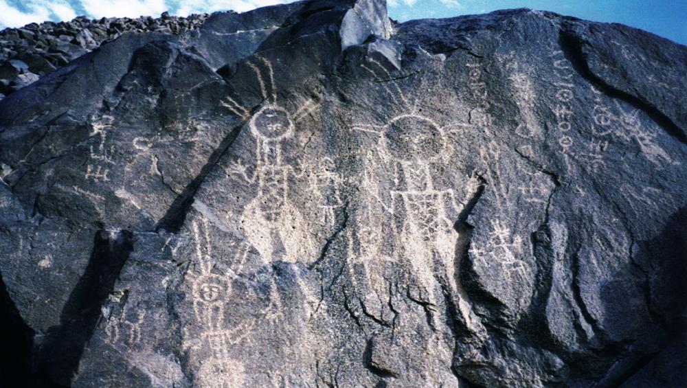 the worlds largest rock art petroglyph dabous giraffe - 1000×565