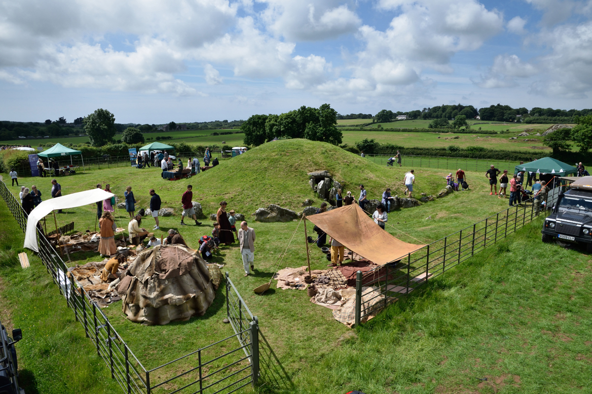 Bryn Celli Ddu Open Day 2016. Wales, Anglesey. Archaeology.