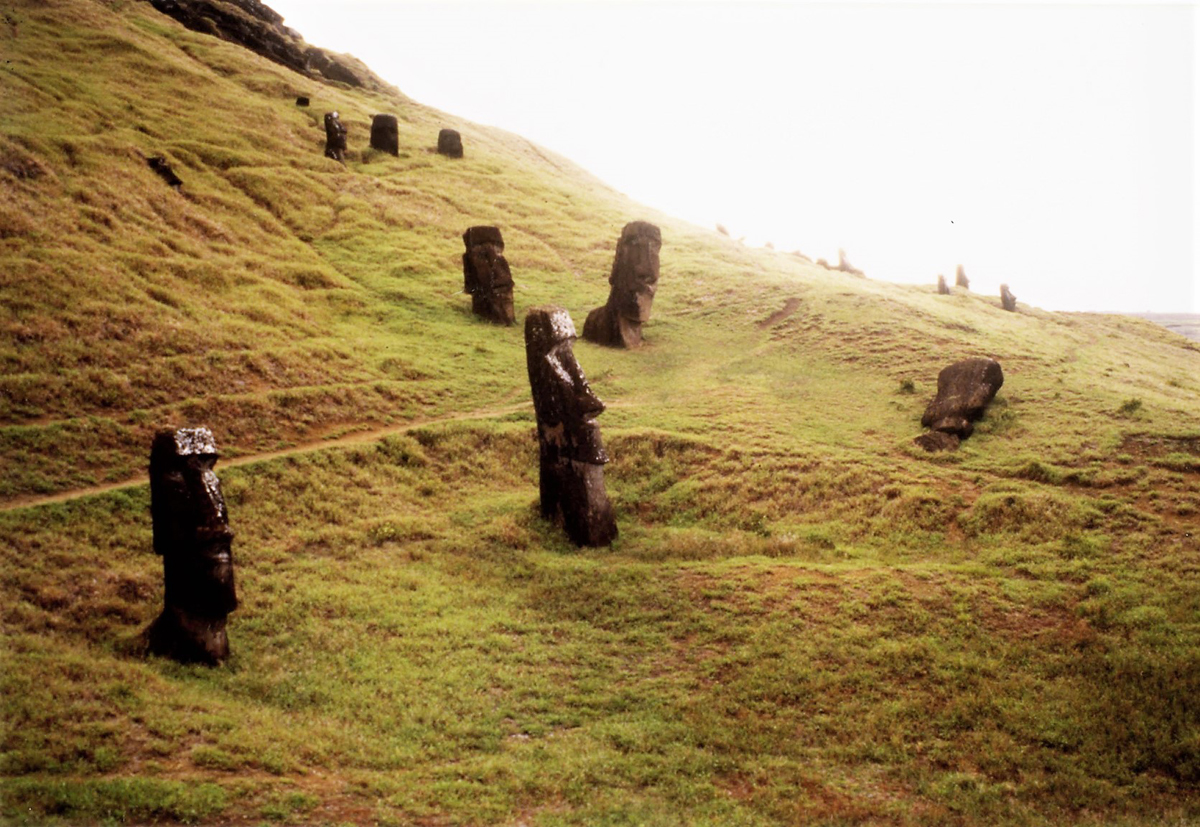 The complex and collaborative culture of Rapa Nui. Easter Island - The moai statues and Rock Art of Rapa Nui