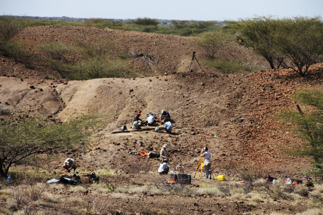 Excavation in Africa at the Lomekwi site