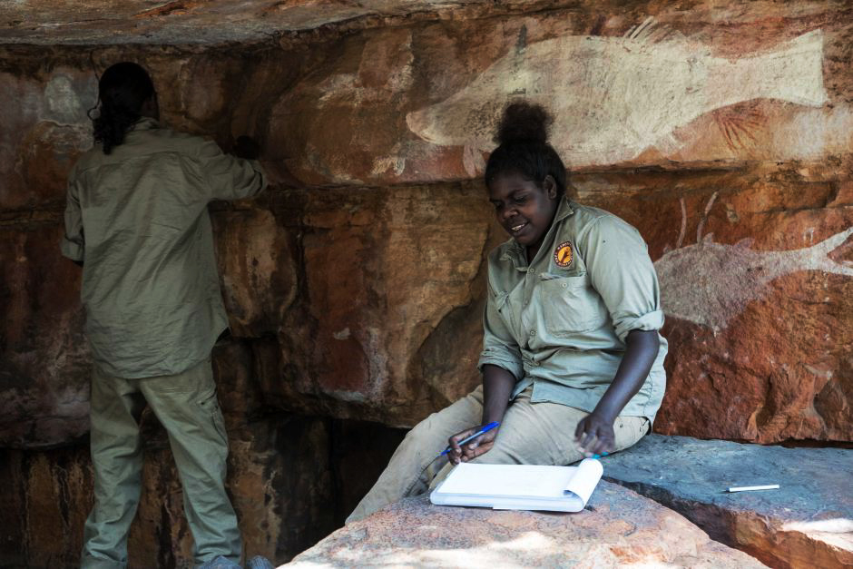 Aboriginal rangers discover rock art sites in Arnhem Land, Australia