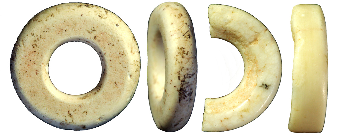 Beads discovered in Denisova cave