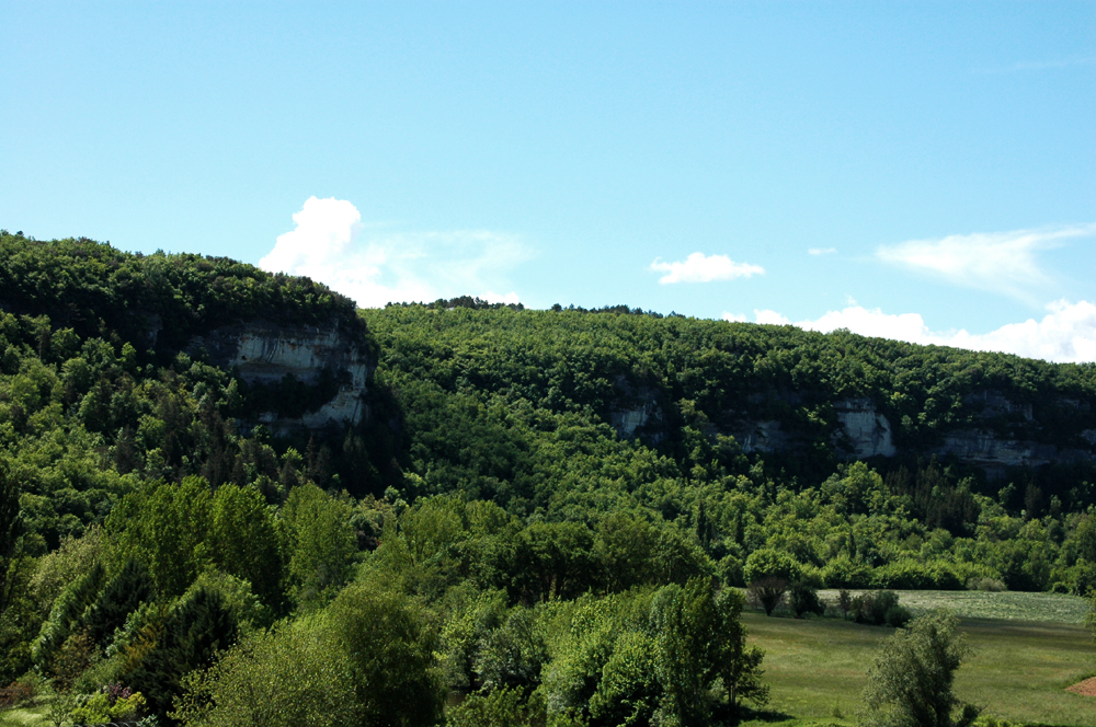 Les Eyzies-de-Tayac in the Dordogne has a natural calendar in the sky