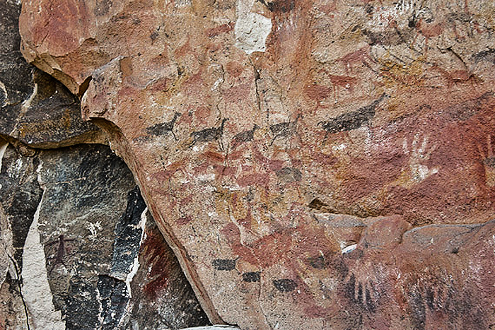 cueva de las manos the cave of the hands history essay Multiple theories abound, but in a paper released tuesday, linguists  include  the hands shown in the cueva de las manos in argentina or the.